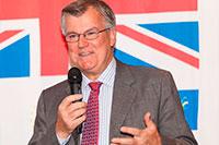 Посол Великобритании Саймон Смит